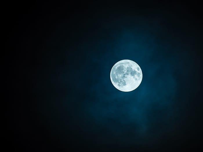 中秋の名月を、「ミライザカ」でお楽しみください