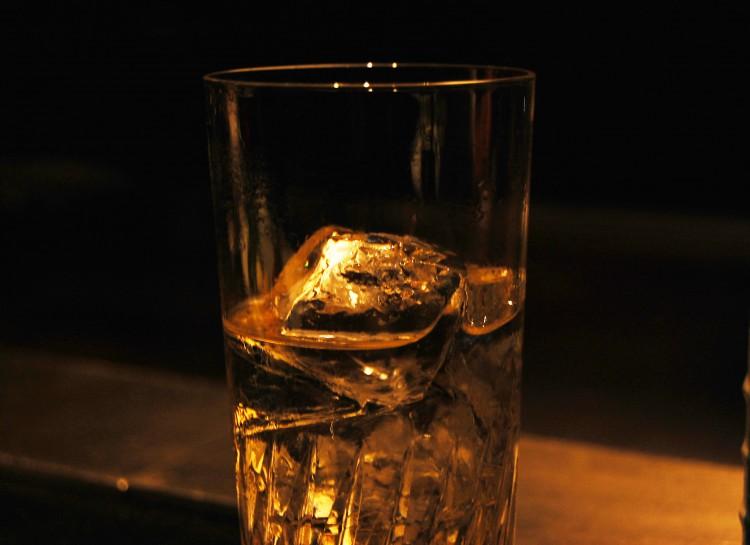 二日酔いにならない飲み方を知っていますか? アレをしなければ防げる